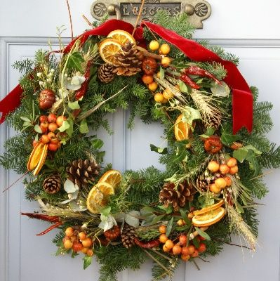 4e4598b8337bcf9518fe67ff249ed9f7--fresh-christmas-wreaths-rustic-christmas